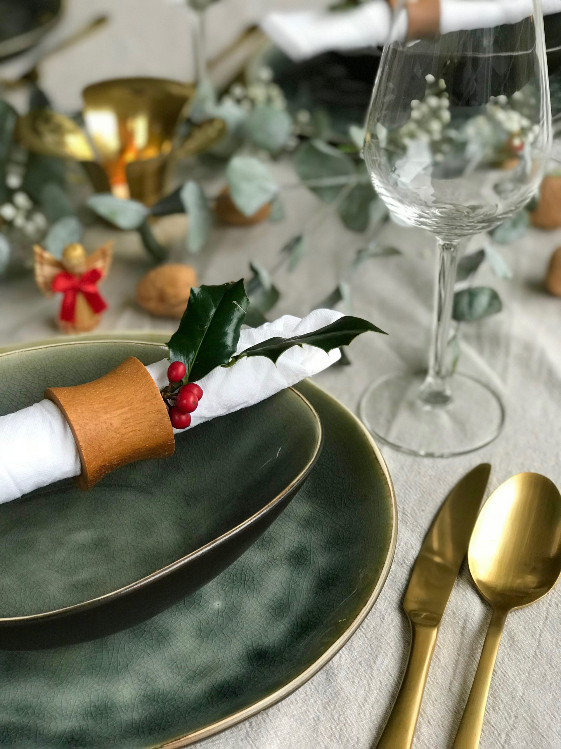 Healthy_holiday_table.jpg